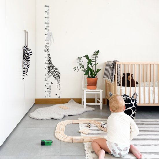 DEKORACE - Samolepka na zeď: Rostoucí metr Žirafa, 1 ks - KLRK-RSTCMTR-ZRF